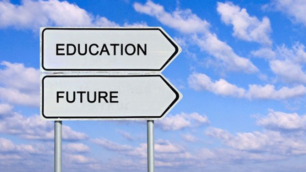 Will Indian Education surpass the Dichotomy in the Near Future?