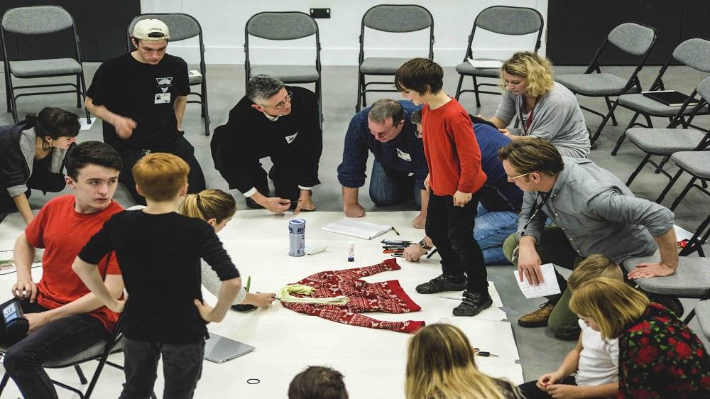शैक्षिक फ्रैंचाइजी स्कूलों में रचनात्मक शिक्षा क्यों शुरू करना चाहिए?