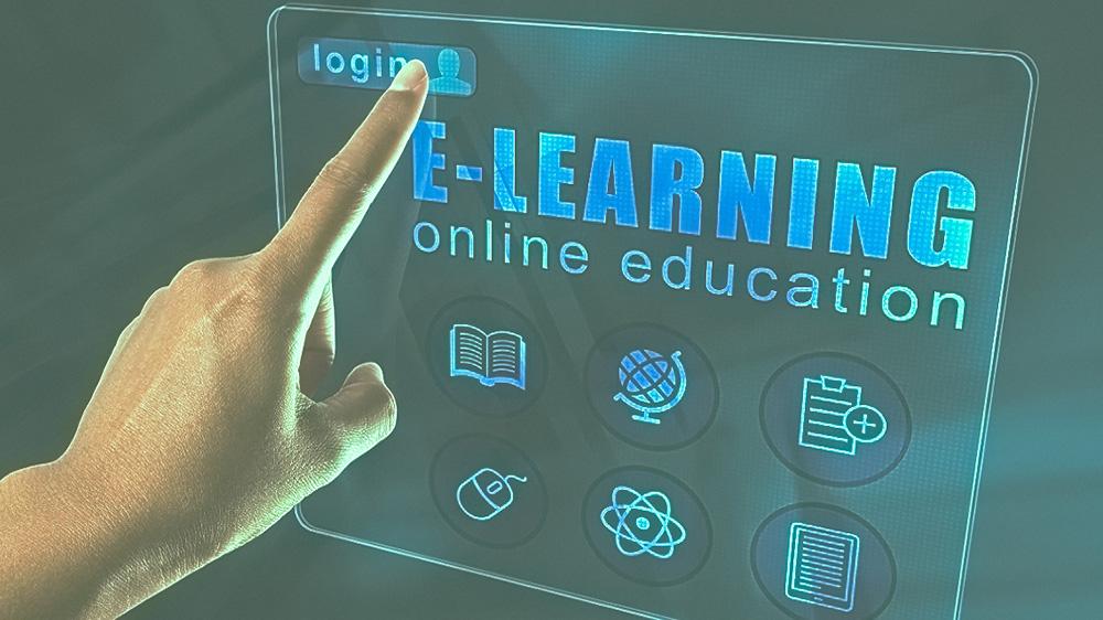 भारतीय शिक्षा इंडस्ट्री को बदल रही है ऑनलाइन शिक्षा