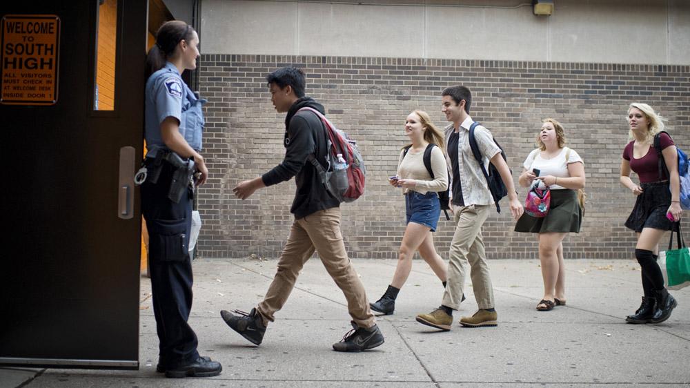 स्कूल बिजनेस में इस तरह सुरक्षा सुनिश्चित कर सकते हैं उद्यमी