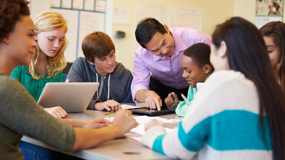 शिक्षा व्यवसाय में करें पहल, अनोखे पाठ्यक्रम की लाएं लहर