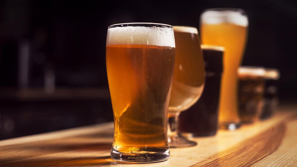 बीयर फ्रैंचाइज़ शुरू करने का सोच रहे हैं? इन चुनौतियों का करना पड़ सकता है सामना