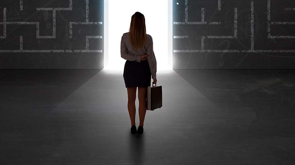 मध्यम उम्र की महिलाओं को फ्रैंचाइज़ व्यवसाय में इन बाधाओं का करना पड़ता है सामना