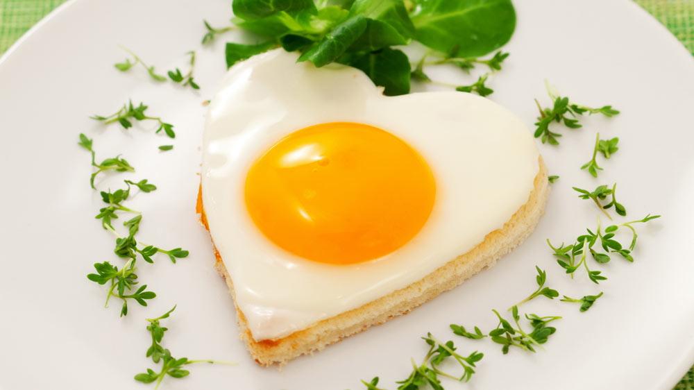 Why are restaurants focusing on breakfast as menu