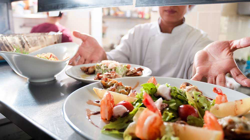 Why restaurant industry is less visible despite its tremendous growth?