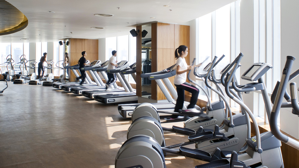 How to start a fitness center business?