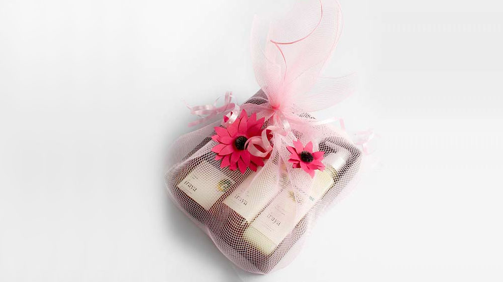 Enwrap natural glow with Iraya's new year gift hampers