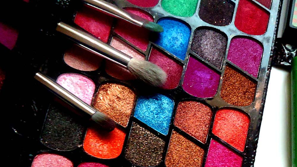 The Body Shop introduces peppy Spring Summer 2015 make-up collection