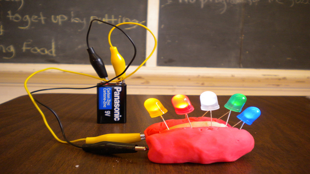 Maharashtra govt schools to get electricity at lower rates