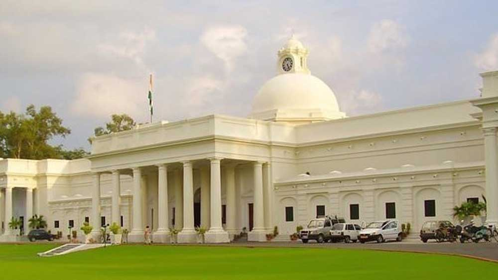 IIT Roorkee researchers create fluorescent carbon nanodots for detecting cancer