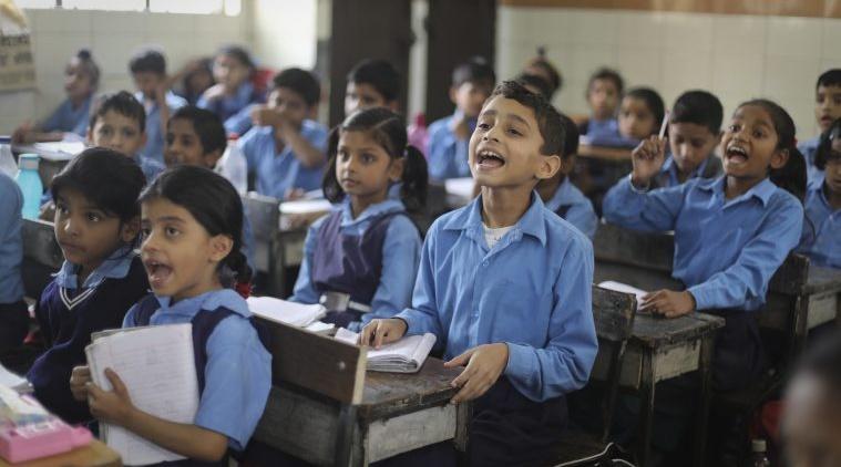 पश्चिम बंगाल के सरकारी स्कूलों में अब अंग्रेजी मीडियम में भी होगी पढ़ाई