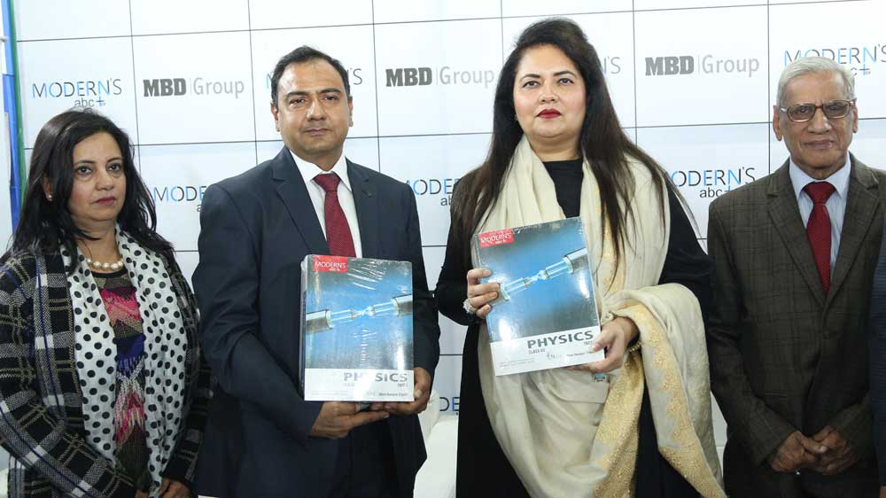 MBD Group launches AR/VR enabled Modern's abc+ of Physics for Grades XI & XII at New Delhi World Book Fair 2019