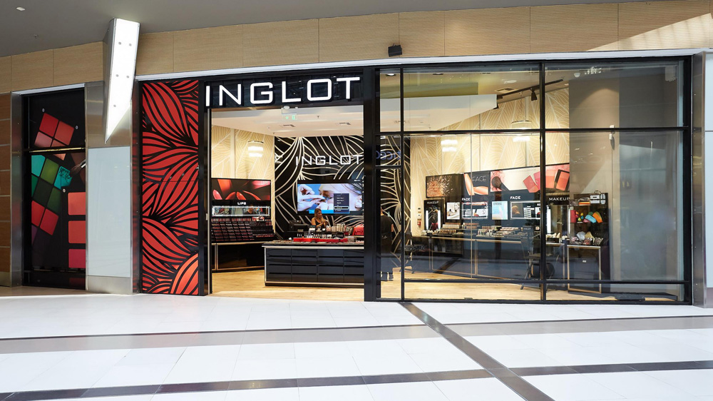 JLO's capsule collection cosmetic range with Inglot now in India