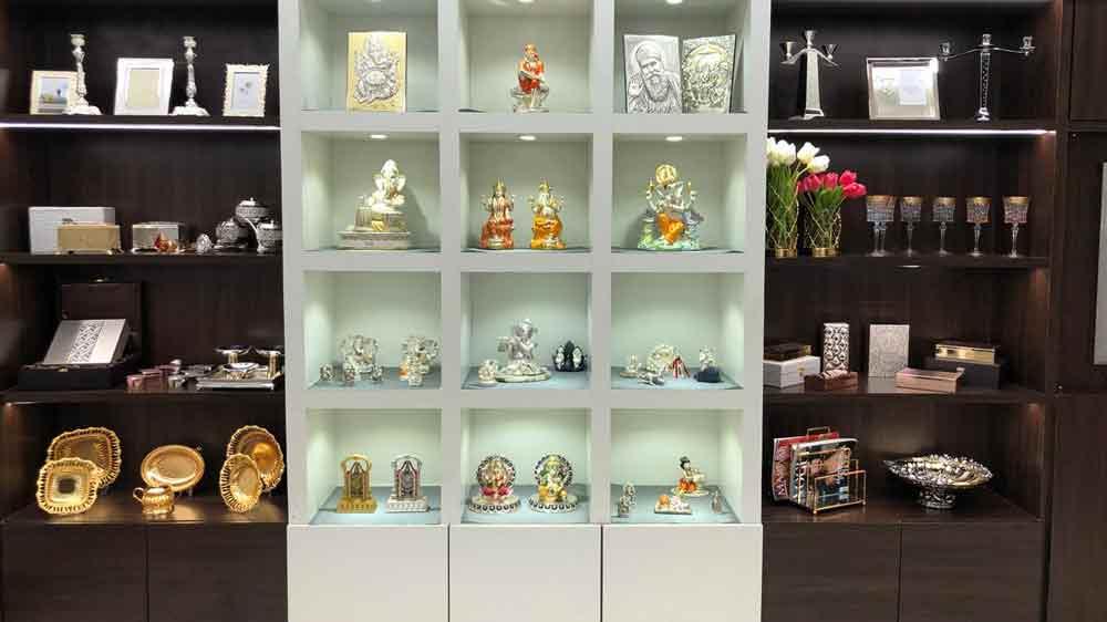 Dhanraj Jewellers unveils 'THE MOMENTZ', a new luxury gift showroom in Mumbai