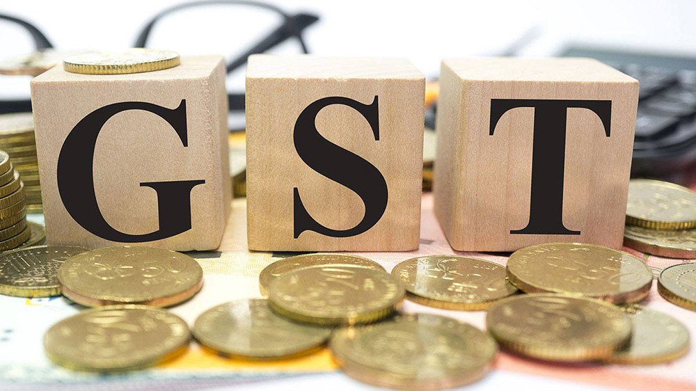 Eating may get expensive if government reduce GST on restaurant from 18% to 12%
