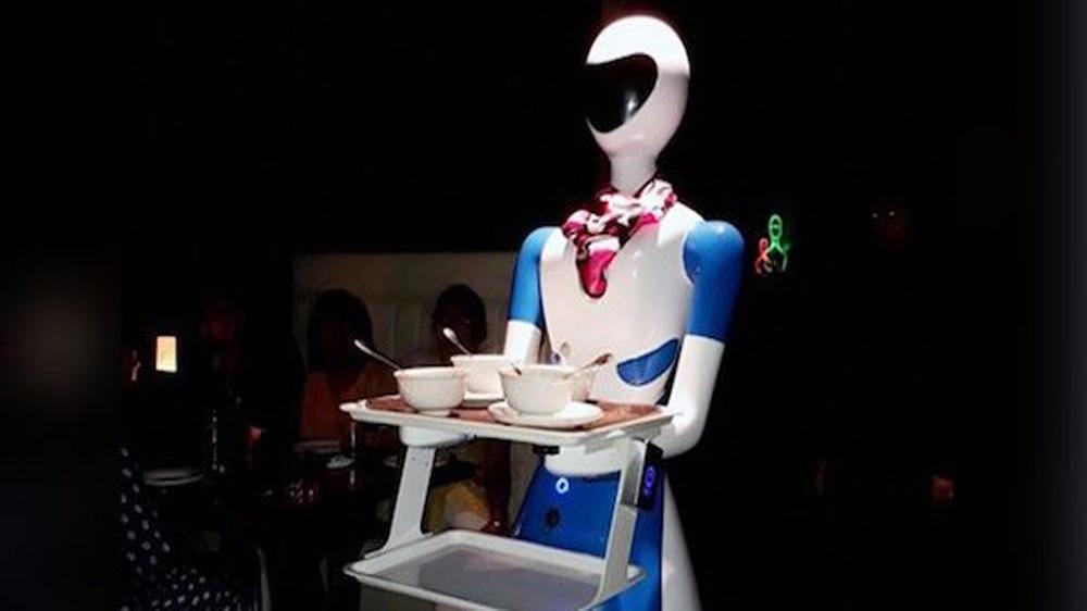 Robot theme restaurant opens in Coimbatore