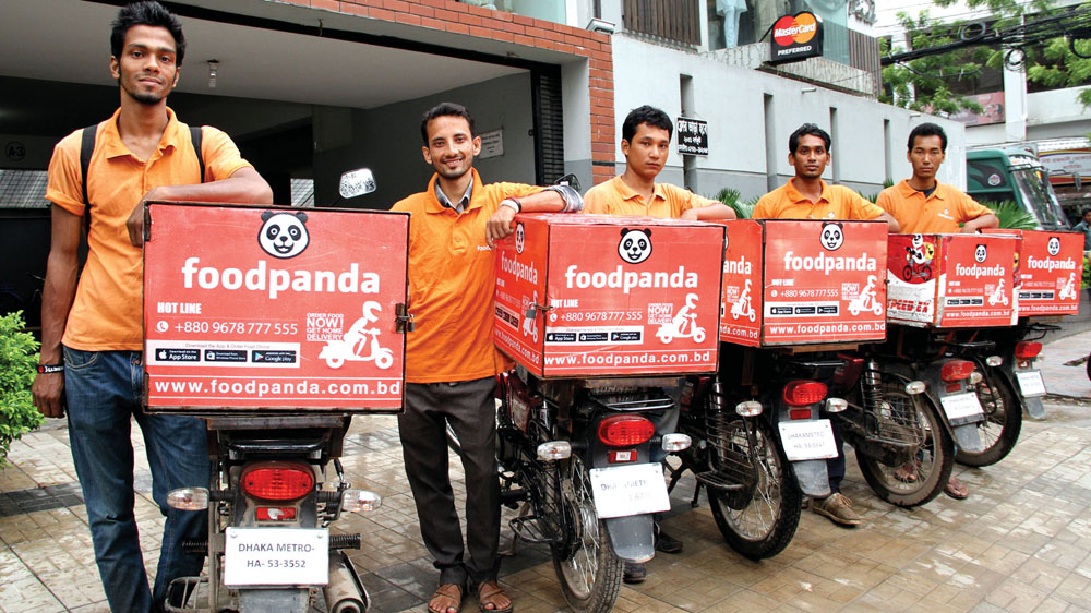 Foodpanda equips its door-to-door delivery services by joining hands with Ecom Express