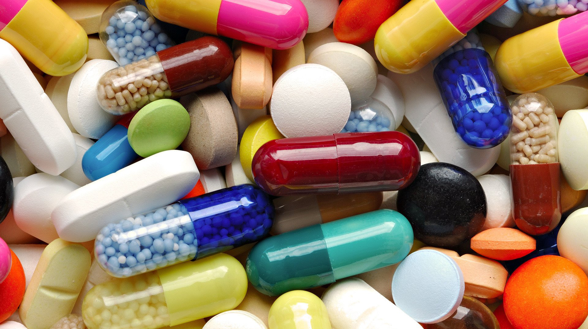 Health Minister encourages retail chemists to sell drugs online