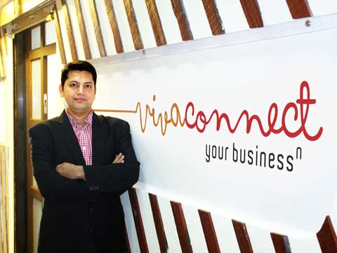 How Vikram Raichura of VivaConnect is simplifying mobile media marketing