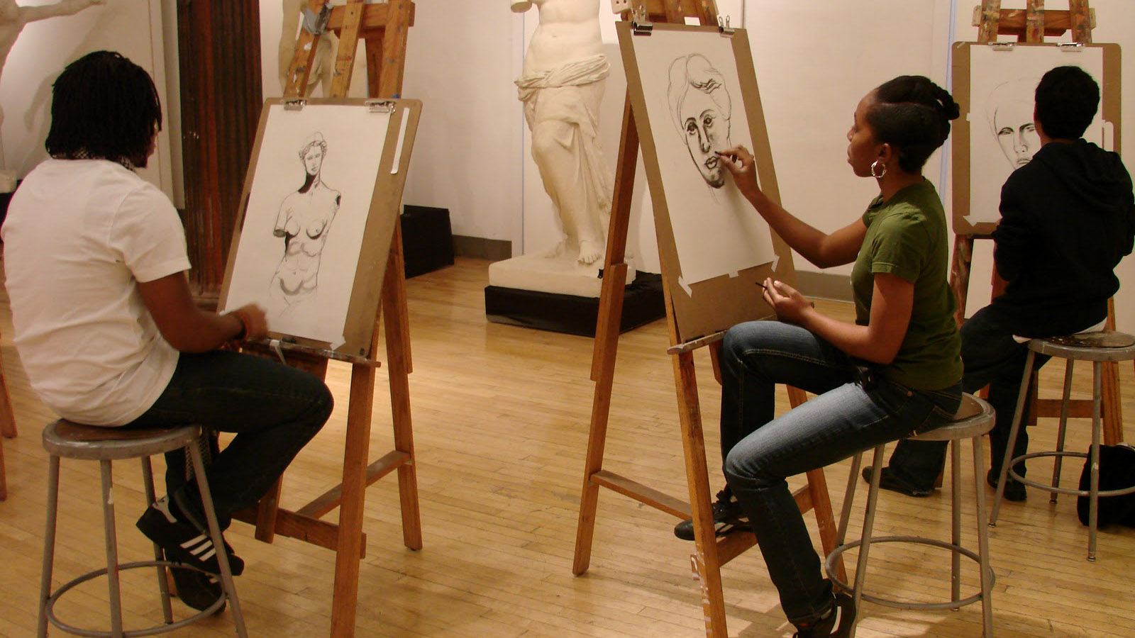 A Checklist To Start Your Own Art-Class Business