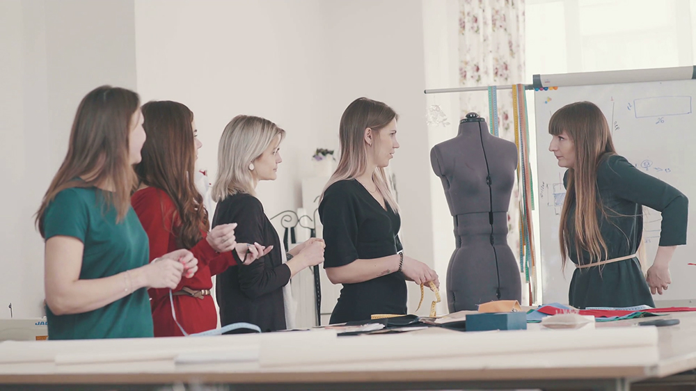 How To Start A Fashion Design School Business