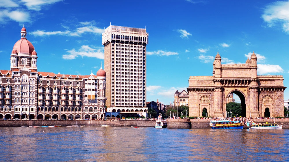 What makes Mumbai a thriving business destination for franchisors