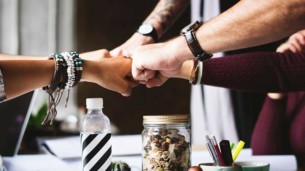 5 Ways to Build Professional Relationships in Business