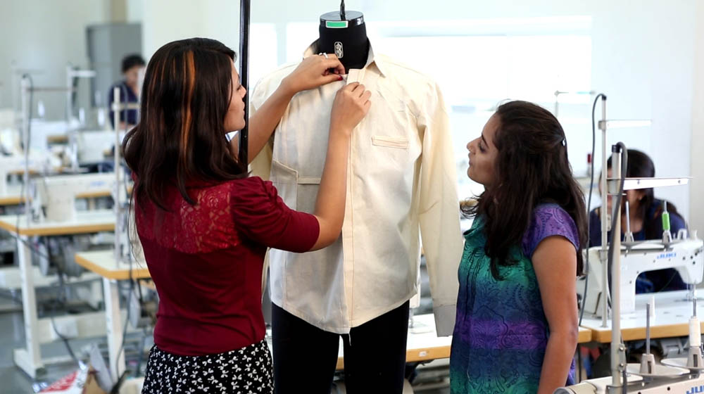 Why are Fashion Institutes Taking Digital Dive?