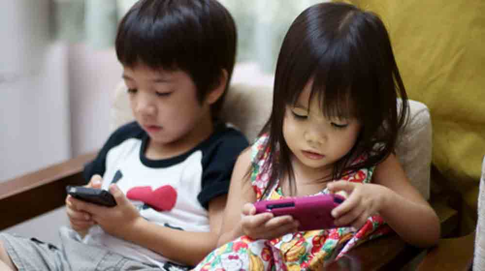 Are Technologically Driven Gadgets Pushing Toys Off the Shelves?