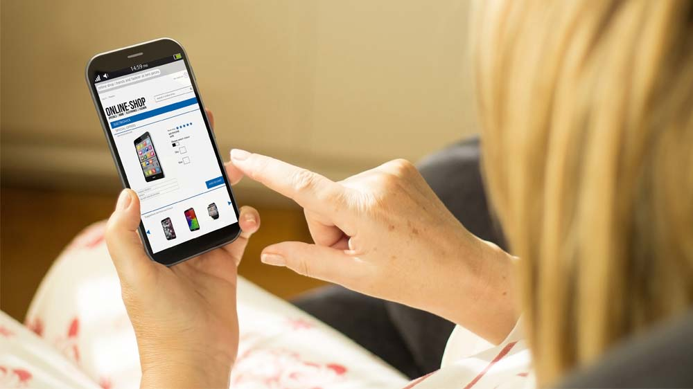 Smartphones, smartest revenue generators for all fashion retailers