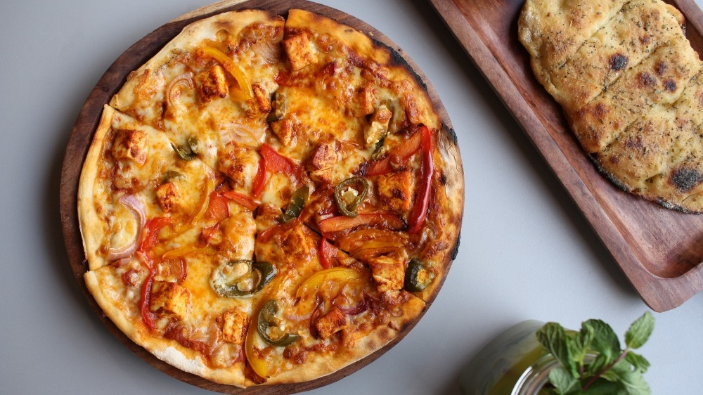 100% Baked! Delhi Gets First Build-Your-Own Pizza Outlet