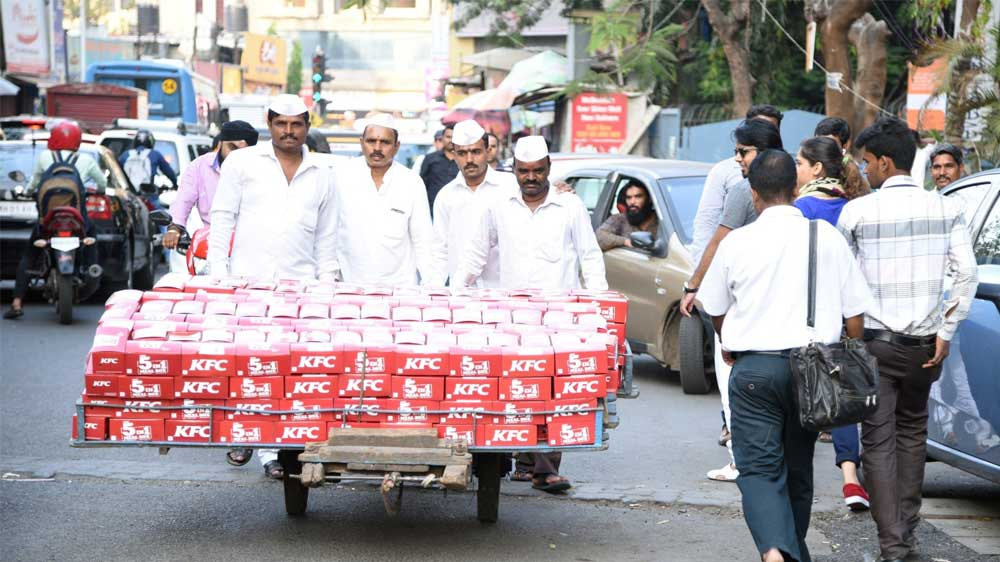 KFC-surpsrises-Mumbaikars-during-lunch-hour-with-Dabbawalas