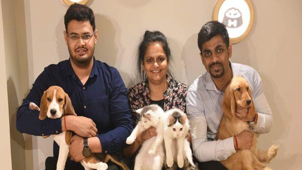 You can Dine and Interact With Pets at This Kolkata-based Cafe