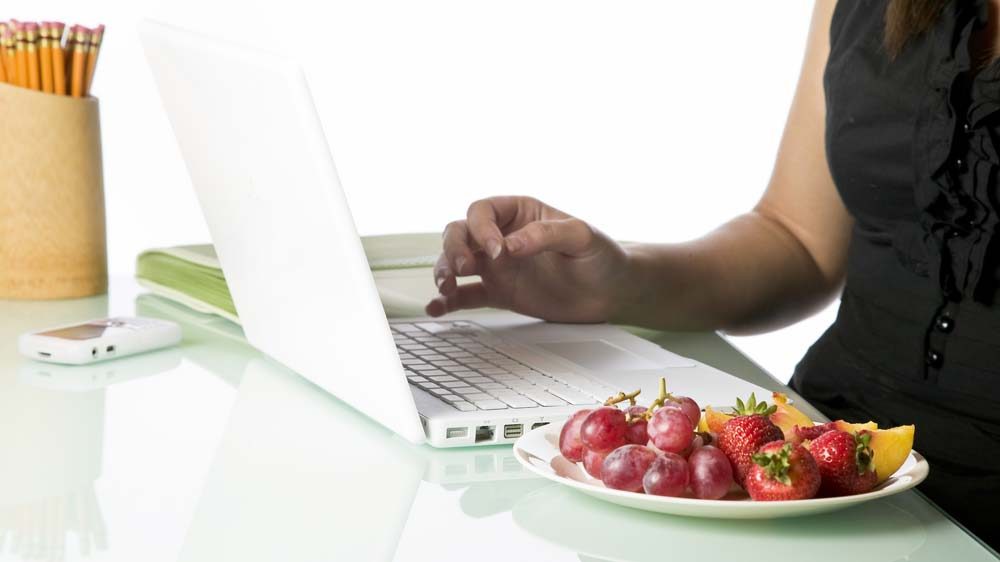 5 tips for wellness professionals to grab quick and healthy bite at work