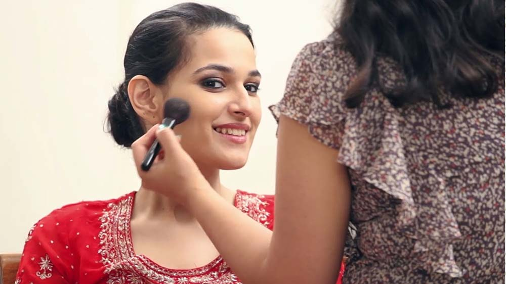 Attain Young-at-Heart Look with these easy make-up steps
