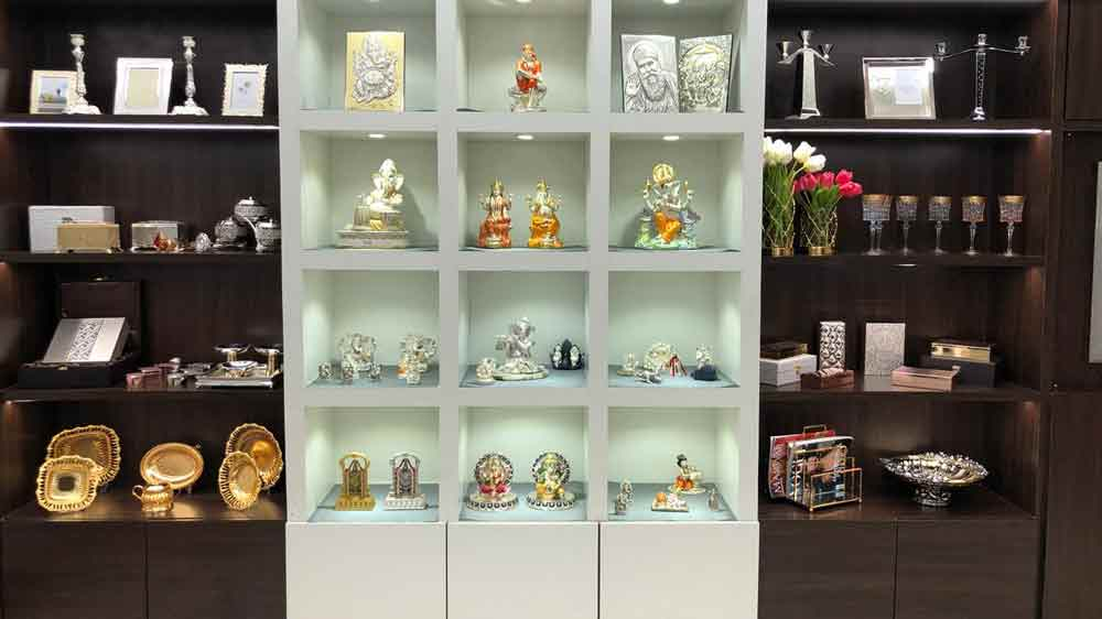 Dhanraj Jewellers unveils 'THE MOMENTZ', a new luxury gift showroom in Mumbai