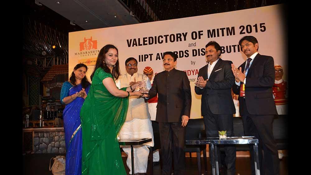 MTDC and IIPT Honour Ezeego1.com's Neelu Singh