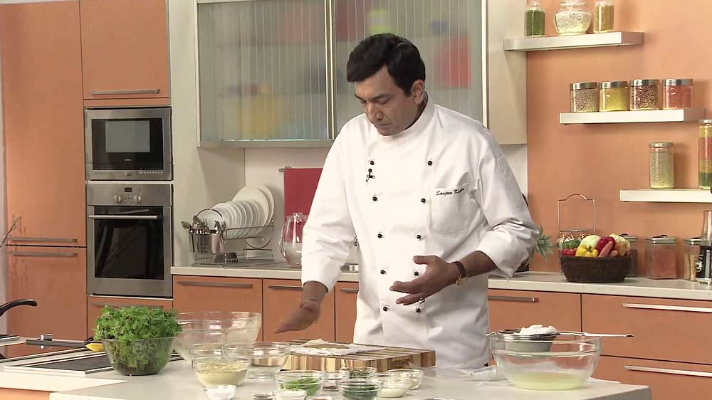 Sanjeev kapoor launches indii sanjeev kapoor an eminent indian master chef has tied up with better value brands bvb a corporate multi brand entity to launch indii a global chain forumfinder Gallery