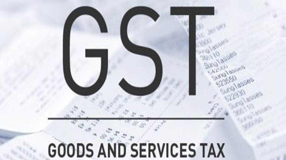 GST panel also cuts 1% tax for small traders and manufacturers
