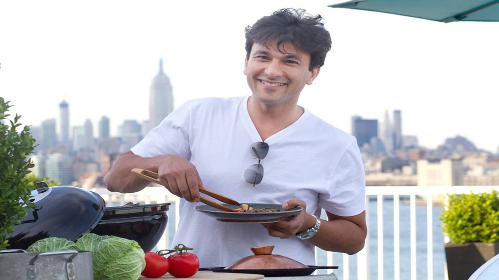 Chef Vikas Khanna To make Flim-making Debut with 'The Last Color' this year