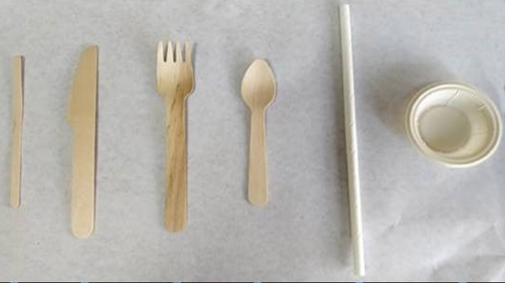 McDonald's replaces Plastic With Wooden Cutlery