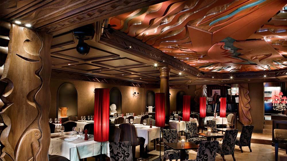 Enrique Iglesias team up with Rafael Nadal to open restaurant