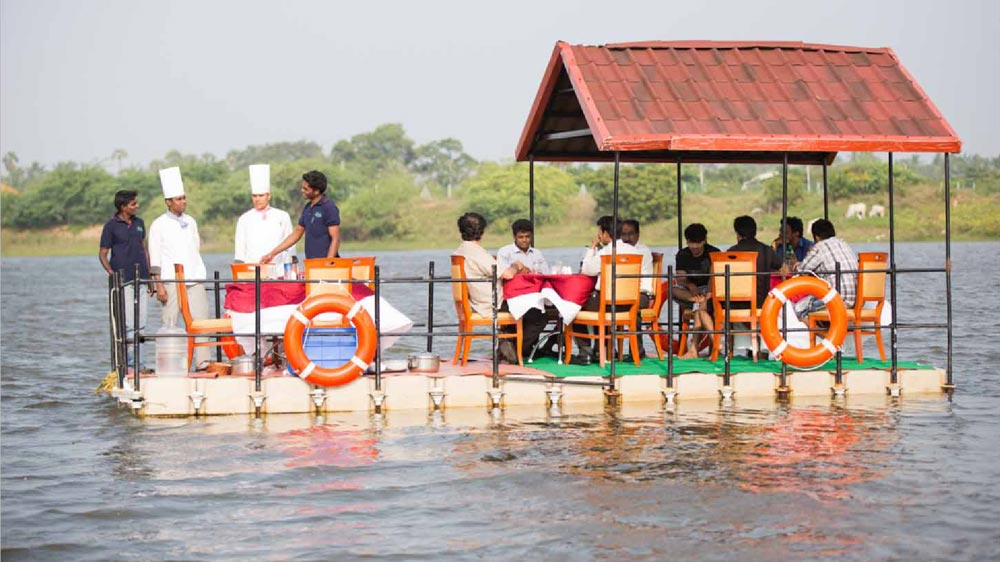 Floating restaurants for Mumbai