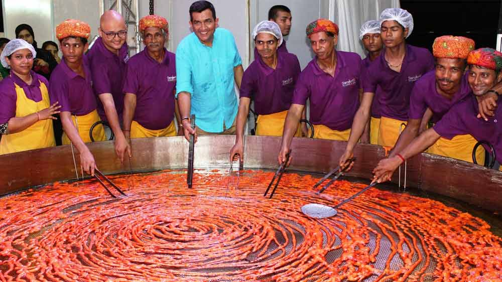 Mumbai based Sanskriti restaurant creates world record by making largest Imarti and Jalebi
