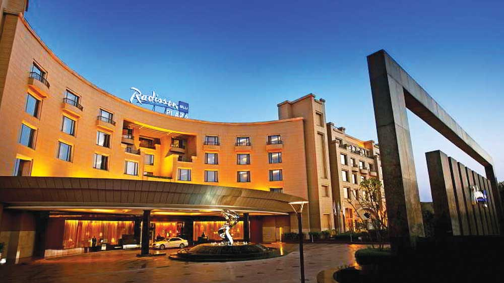 Radisson Blu Plaza launches Plaza Lounge