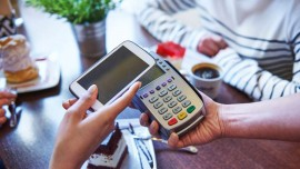 How are restaurants cashing in on    Cashless    payment