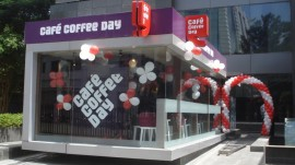 CCD staff slapping customer; video goes viral on Twitter