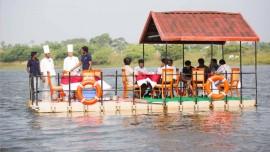 Floating restaurants for Mumbai