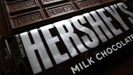 Hershey to use simpler ingredients in chocolate bars