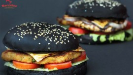 India to taste Black Burger  thanks to Barcelos
